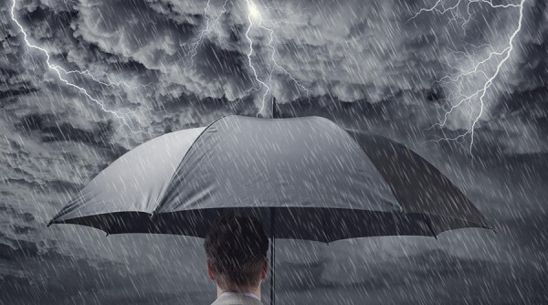 Thay đổi thời tiết là một trong những nguyên nhân quan trọng khởi phát đau nửa đầu